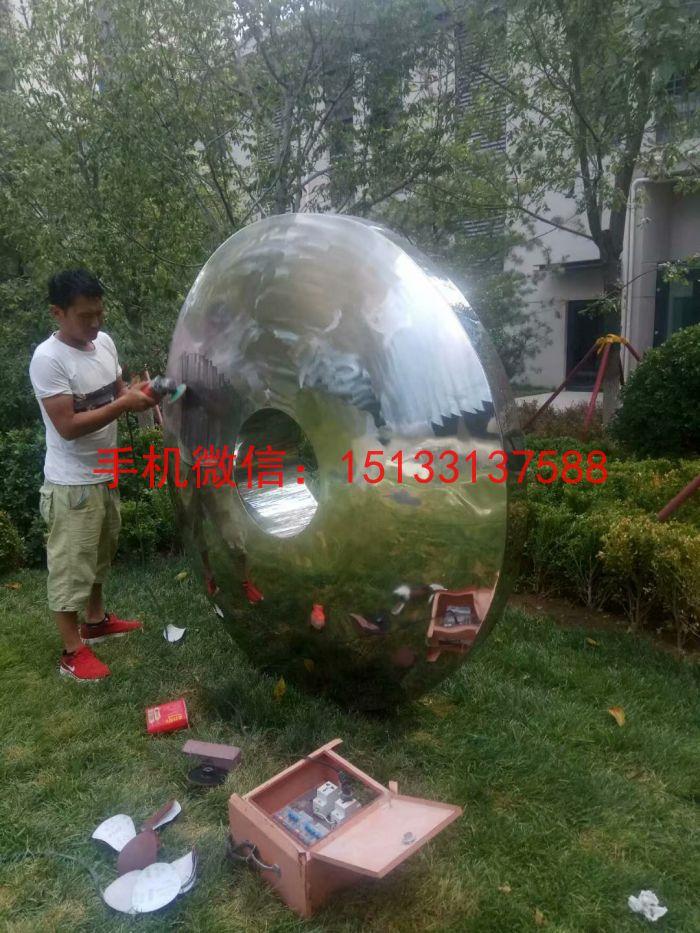 不锈钢圆形镜面雕塑 公园镜面雕塑