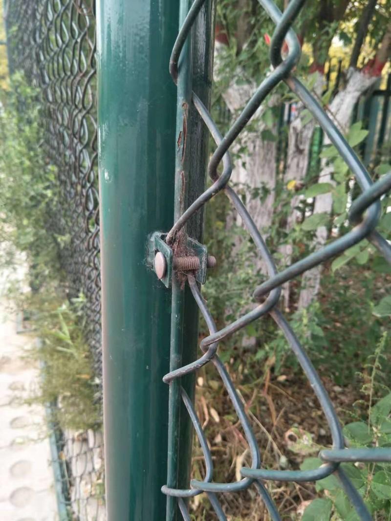 球场勾花围栏1